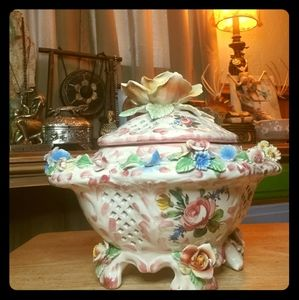 Antique floral decor bowl w/lid from 🇮🇹 Italy